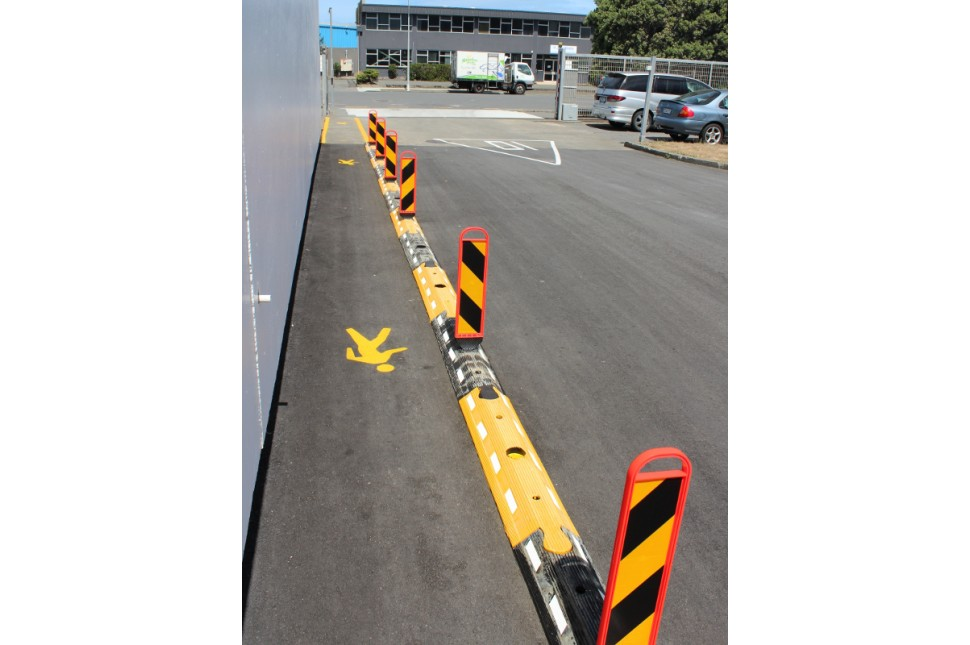 Vanguard Flexible Interlocking Traffic Separator System 8