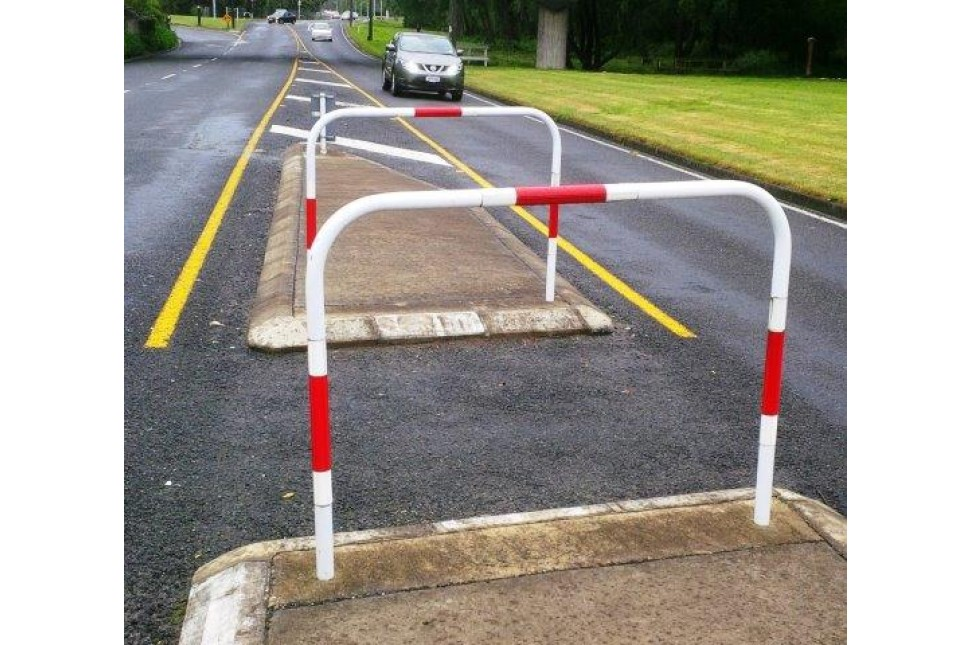 vanguard pedestrian refuge barrier