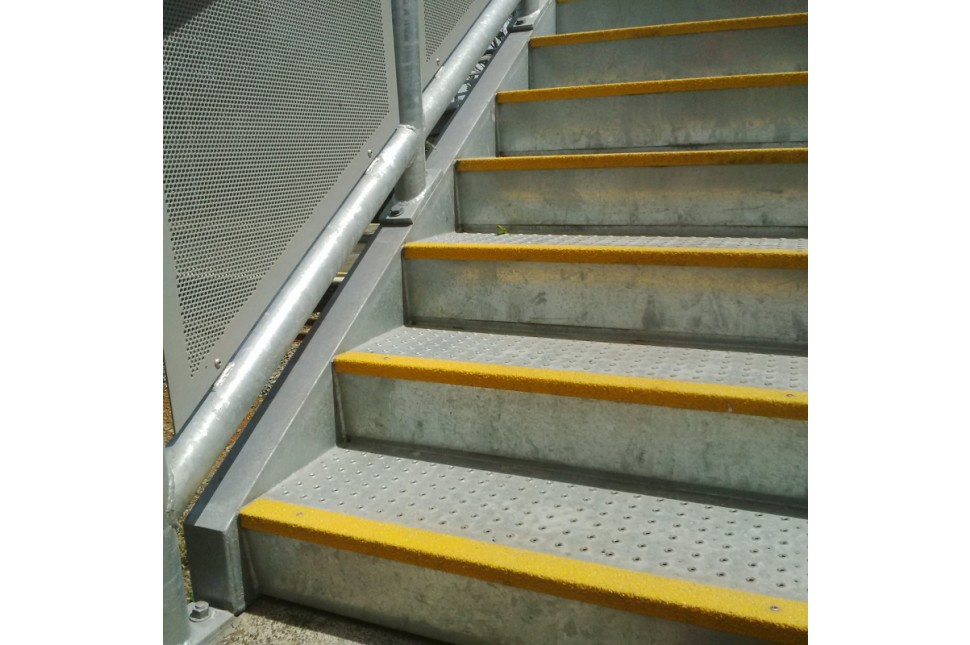 Fibreglass Anti Slip Nosing 2