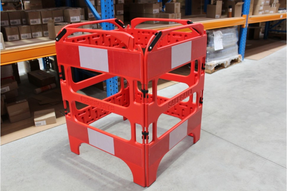 SafeGate folding barrier 3