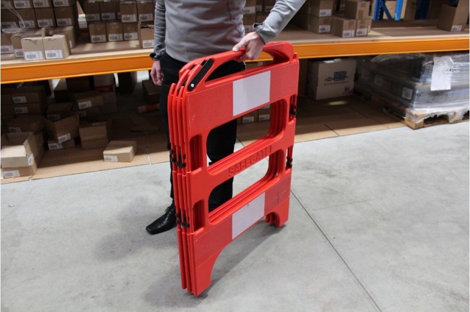 Safegate Folding Barrier 187 Vanguard