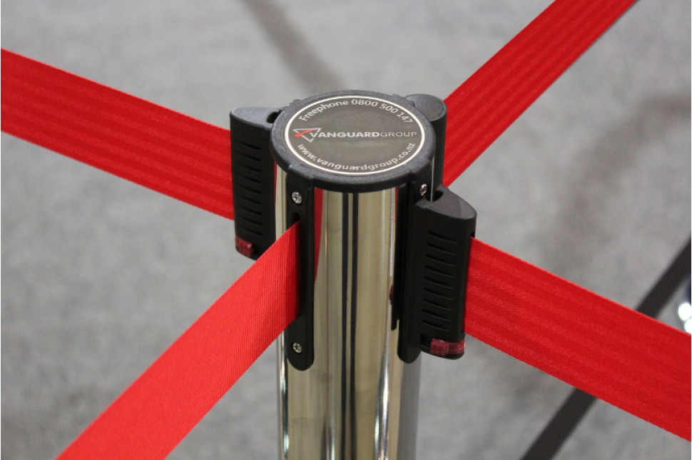 Vanguard Retractable Queuing Stanchions 4