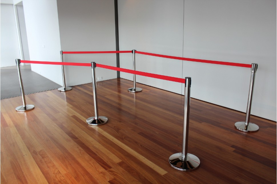 Vanguard Retractable Queuing Stanchions 5