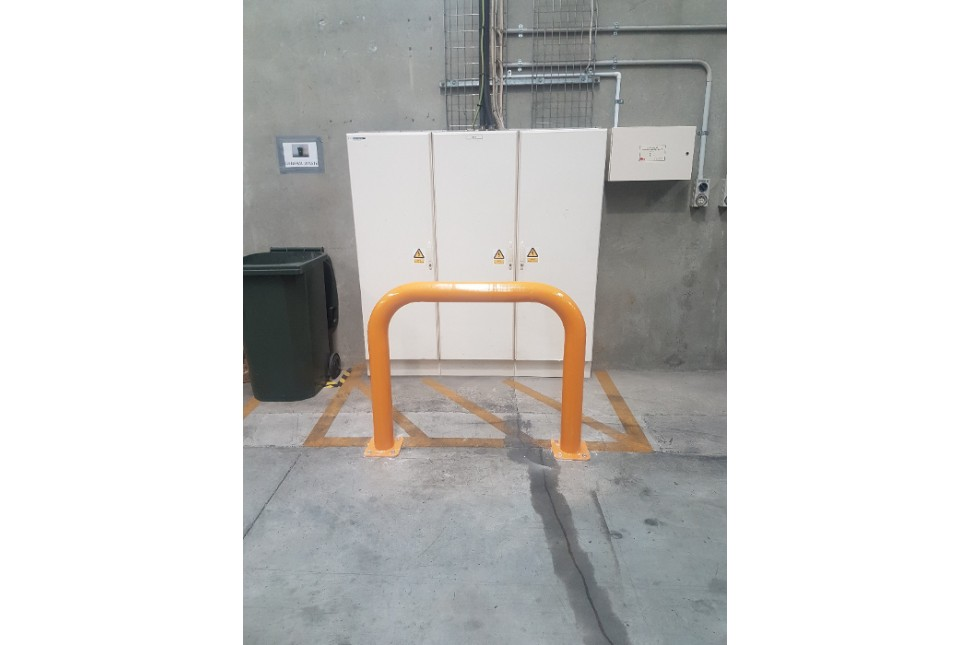 Vanguard Machinery Guard Steel Hoop Bollard 5