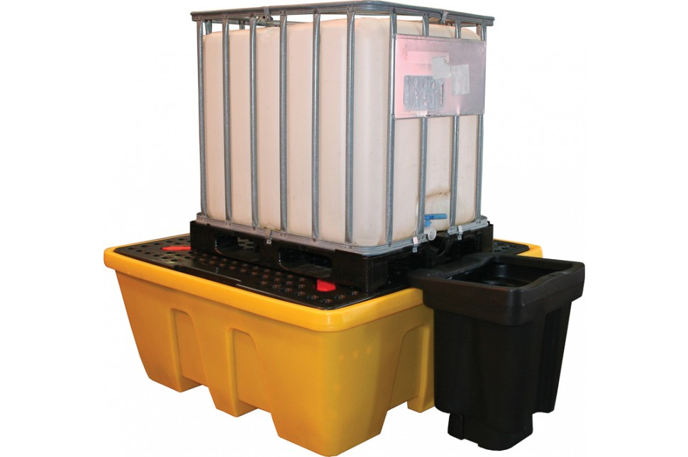 46 IBC1 D Single IBC Spill pallet Dispenser in use